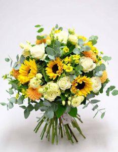 geltonų gėlių puokštė