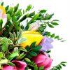 Puokste tulpes su frezijomis foto 2