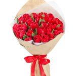Raudonų tulpių puokštė foto